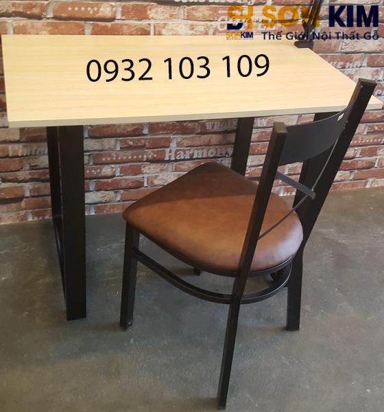 Bàn Ghế Văn Phòng BVP11 Khung Chân Sắt Giá Rẻ HCM