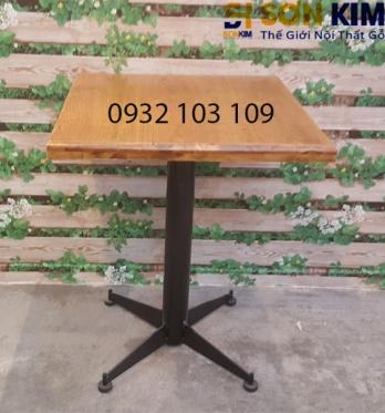 Bàn Cafe Vuông Chân Sắt BC02