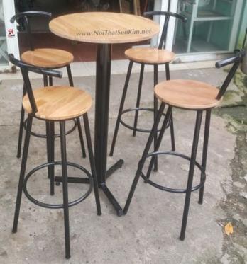 Mẫu bàn ghế Beer Club BGC16