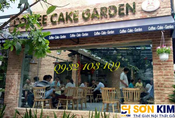 Hình 2: Bàn ghế cafe tại quán Cake Garden Coffee