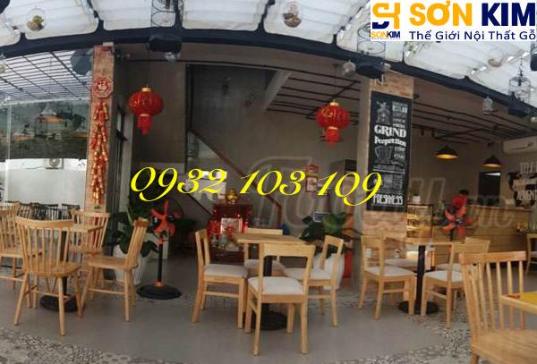 Hình 22: Bàn ghế cafe tại quán Cake Garden Coffee