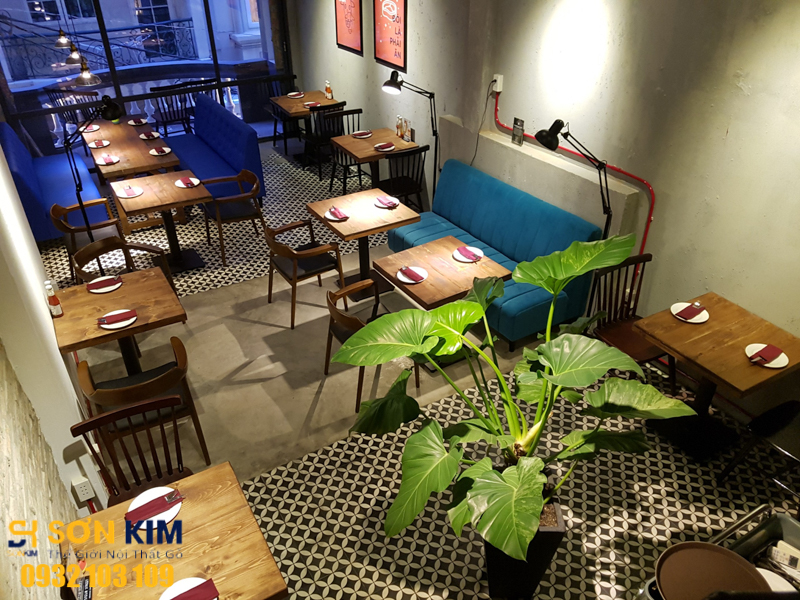 bàn ghế nhà hàng tại nhà hàng thefrist