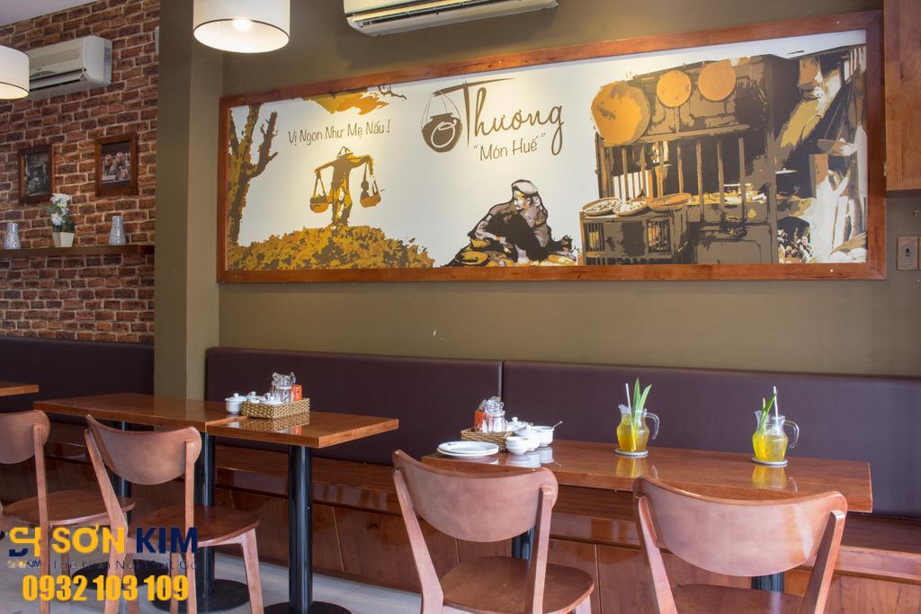 Hình 3: Bàn ghế nhà hàng tại Nhà Hàng Ơ Thương