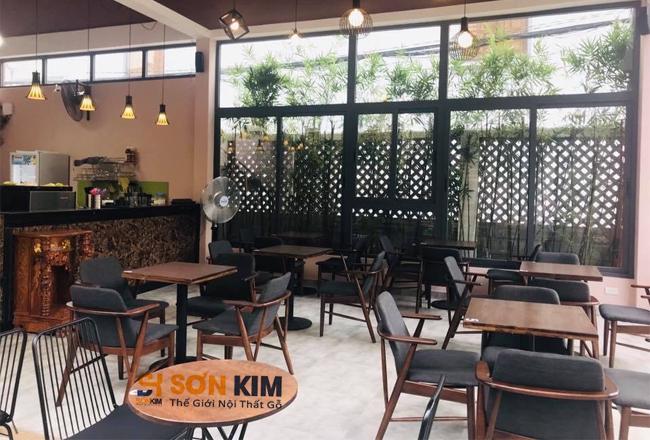 bàn ghế cafe gỗ nệm