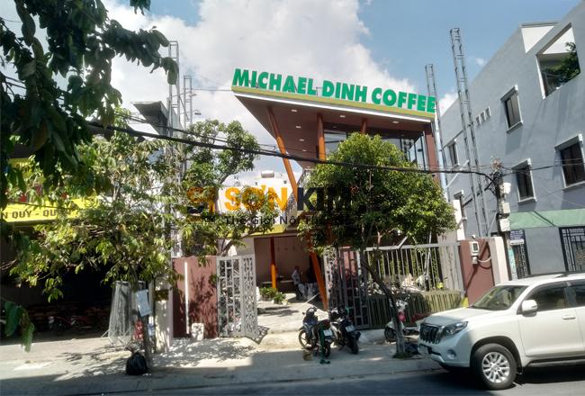 bàn ghế cafe quán michael