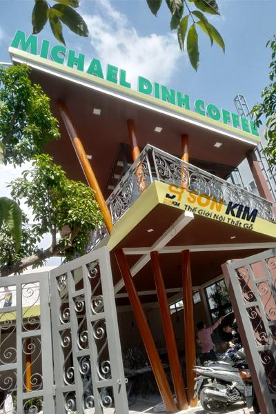 không gian quán Micharl Dinh Coffee