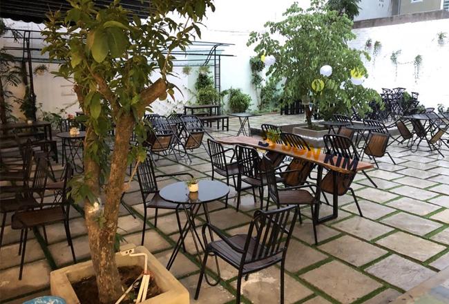 bàn ghế cafe mặt tròn, khung chân sắt