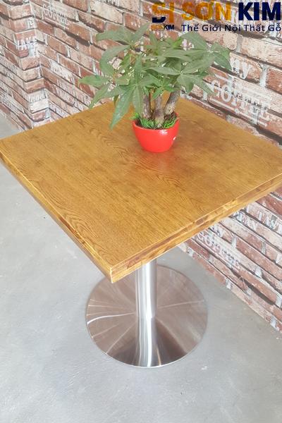Mặt bàn cafe bc12 có vân gỗ tự nhiên, màu sắc tươi trẻ