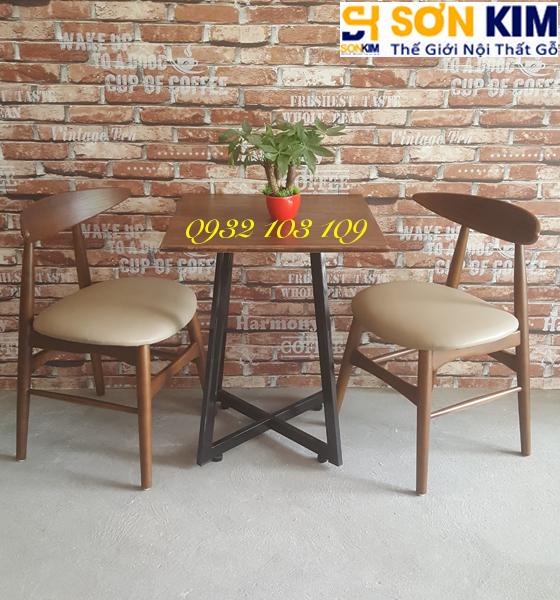 Bàn ghế cafe gỗ lót nệm BGC43