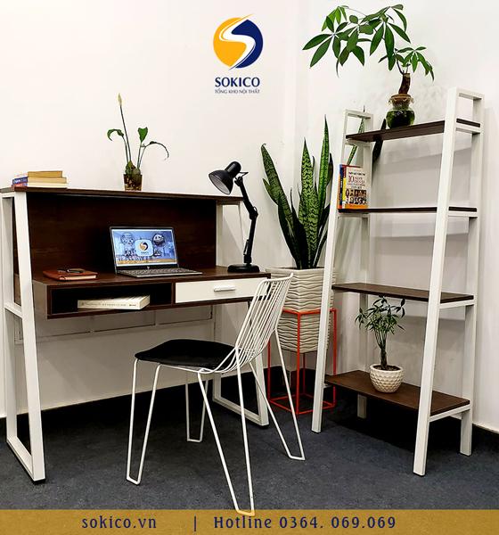 Bàn làm việc Sokico BLV04 bao gồm ghế ngồi và kệ sách 4 tầng