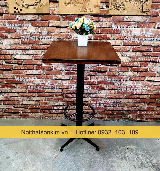 Bàn quán bar mặt gỗ vuông BC46