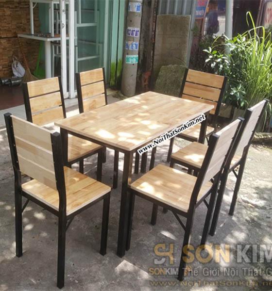 Bàn ghế quán ăn khung sắt mặt gỗ BGA17