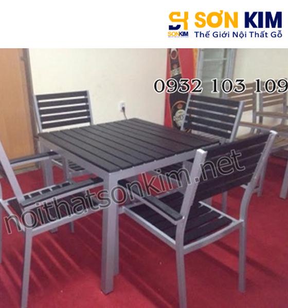 Xưởng sản xuất mẫu bàn ghế cafe gỗ nhà hàng giá rẻ đẹp nhất TPHCM